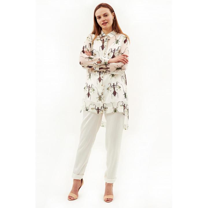 Блуза «Глициния-1»  белого цвета с авторским принтом богомолы