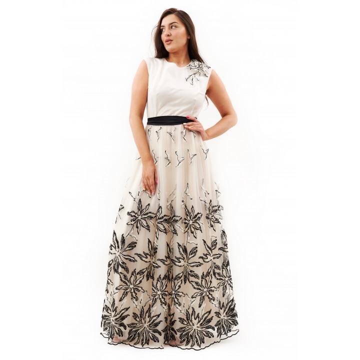 Платье «Веренея»  белого цвета с вышивкой