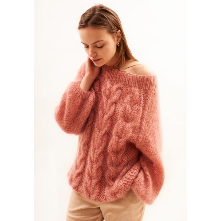 Свитер вязаный розовый меланж