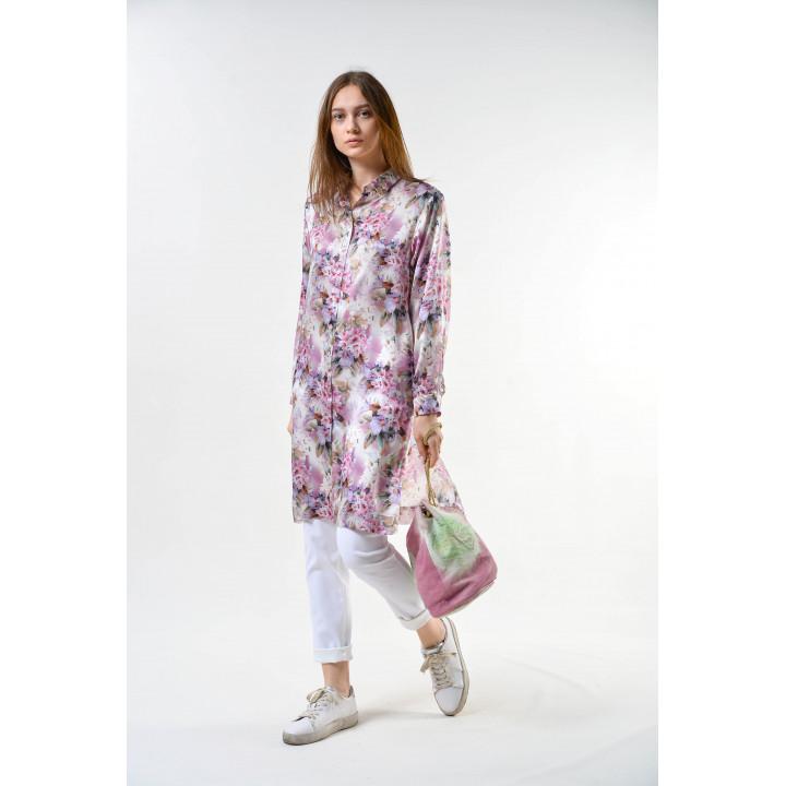 Блуза «Глициния»  сиреневого цвета с цветочным принтом